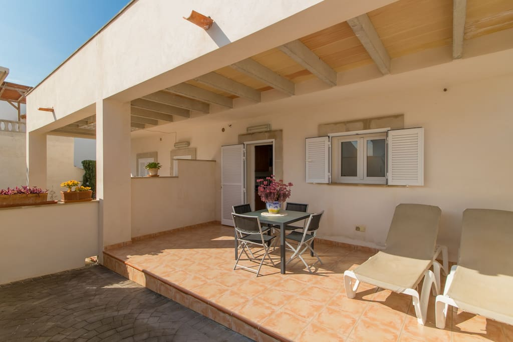 Large furnished terrace with BBQ
