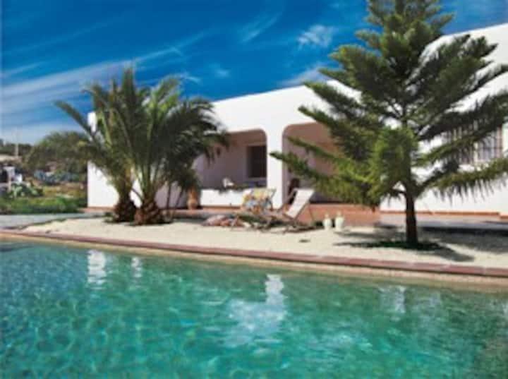Coastal villa, own swimming pool