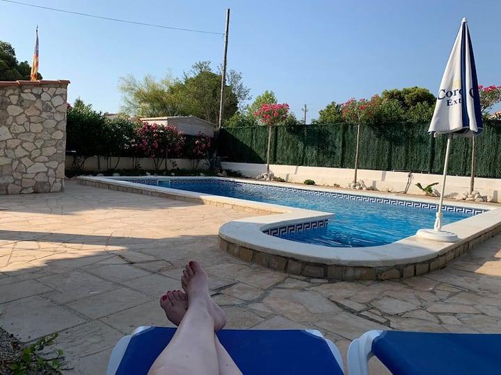 villa WiFi piscine privée 1km mer LastMinute