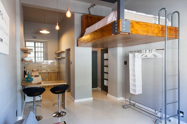 Modern, Spacious Loft Apartment