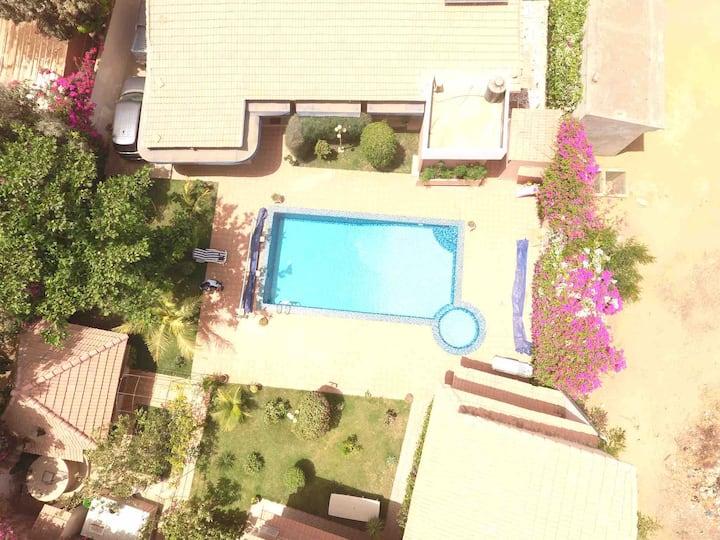 Villa avec piscine à 200m de la mer