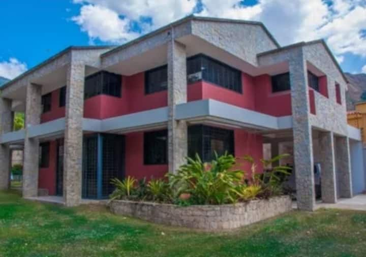 El Castaño, Girardot (maracay) edo-aragua quinta..