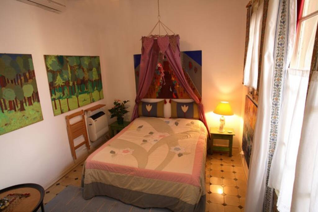 Sweet room with inner private bathroom and a romantic atmosphere