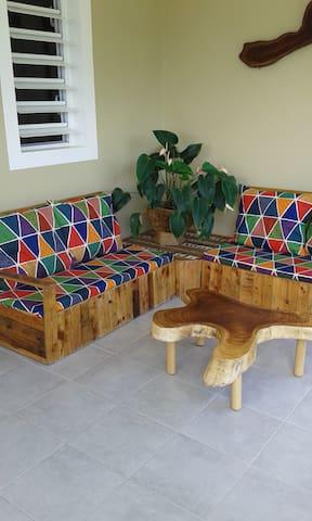 Bas de villa T2 tout confort et spacieux.