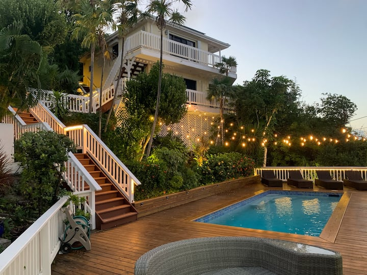 NEWEST!!!The Breeze, A Boutique Villa Experience