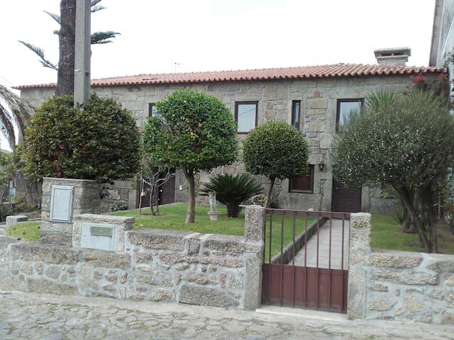 DONANA, MILHAZES, BARCELOS - Barcelos - House