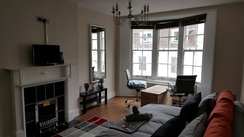 Beautiful Studio Room In The Heart of The Lanes