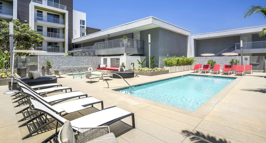Luxury resort like in heart of West Hollywood
