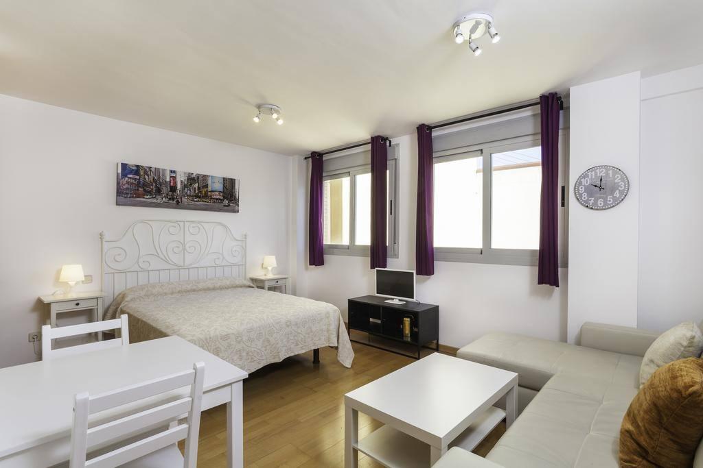 Apartamento madrid norte blanco apartments for rent in - Sofas en alcobendas ...