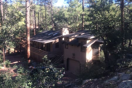Cozy Secluded Cabin in Pine! - Pine - Chatka