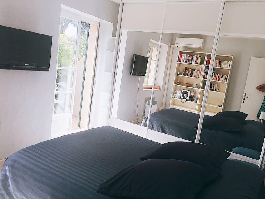 Chambre de charme entre aix et marseille houses for rent for Chambre de charme provence