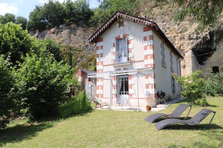 Tours, maison pleine de charme accès bord de Loire