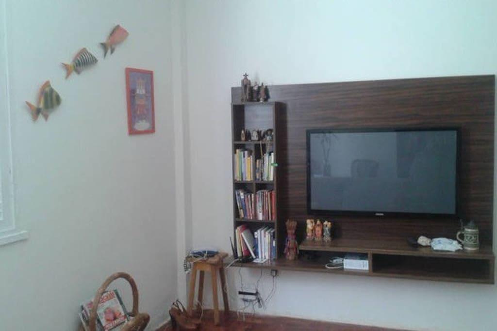 Você pode usufruir desta sala com internet! e televisão!