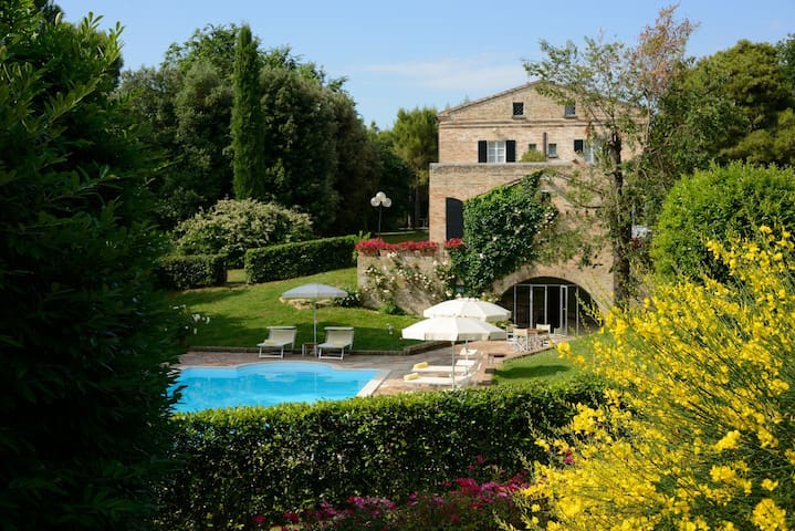 Villa Teia, surrounded by lush green