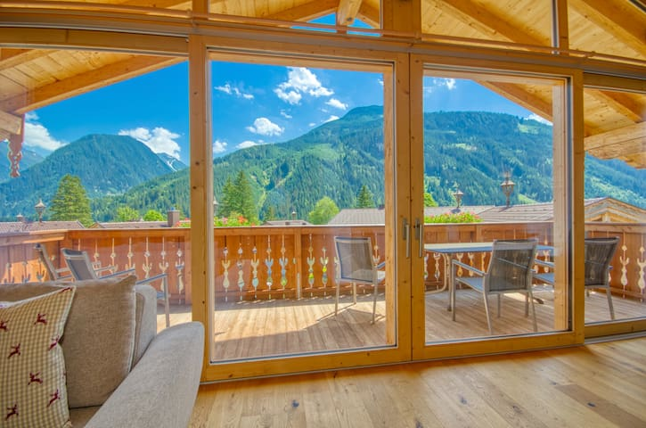 Chalet 4 - Edelweiss - glorious typical Austrian Alpine chalet in an idyllic location