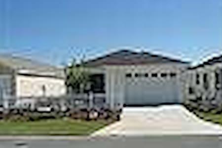 500323 - Alwyne Avenue 3433 - The Villages - Villa