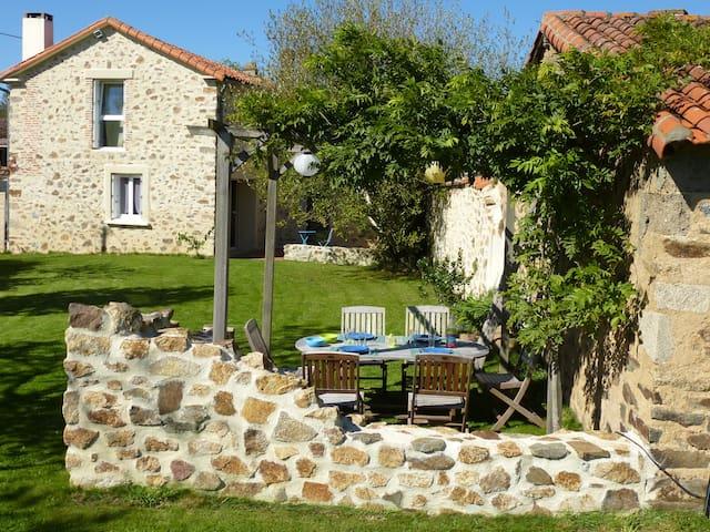 Belle maison à 25 min du Puy du Fou - Cerizay - Hus