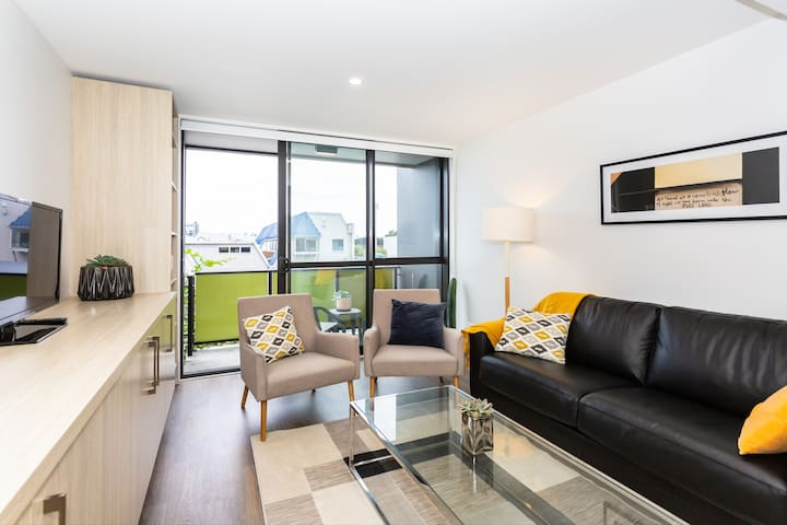 Stylish Central City Apartment