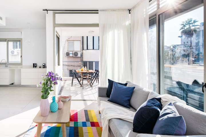 Luxury Apartment Next to the Beach with and TLV Port