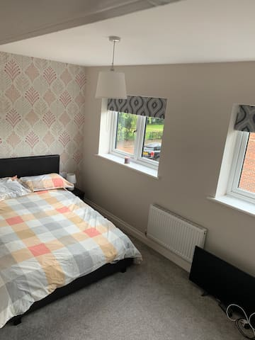 Double Room with Private Bathroom Beverley