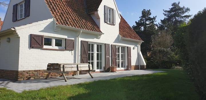 Belle villa (3 chambres) avec jardin à St Idesbald