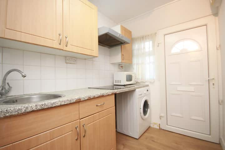Studio flat in Kenton