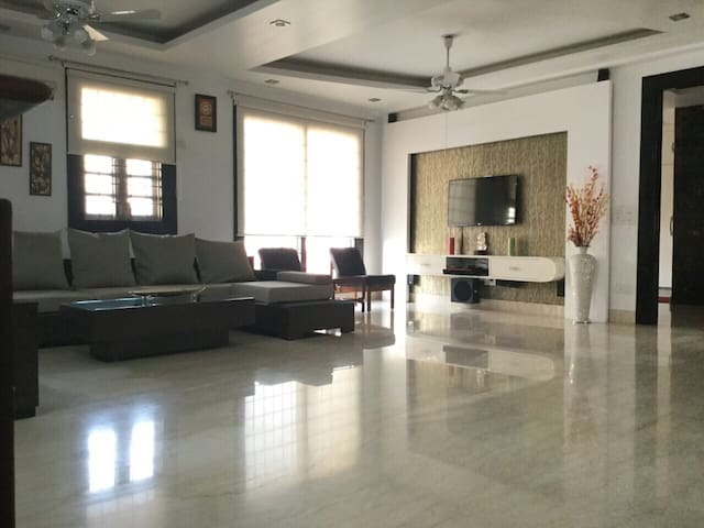AirBnB Superhost at Dwarka, New Delhi, Near IGIA