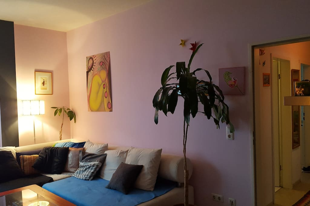 Cozy and quiet room in Frankfurt's most popular area - Centrally located to the subway