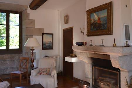 Appartement de Manette 7 km mer - Castle