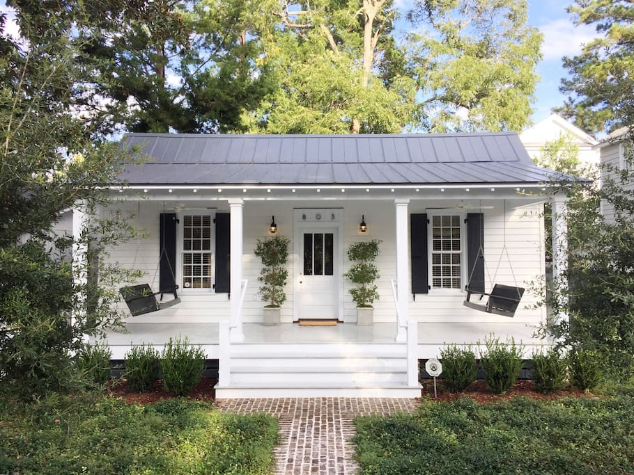Restored 1889 historic cottage houses for rent in beaufort south carolina united states for Four bedroom mobile homes for rent in beaufort
