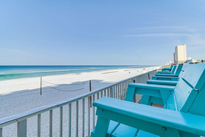 Beachfront studio w/ shared pool, spectacular Gulf views, & direct beach access