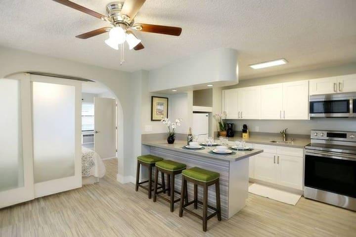 Waikiki garden villa deluxe one bedroom 301 apartments - Honolulu apartments for rent 1 bedroom ...
