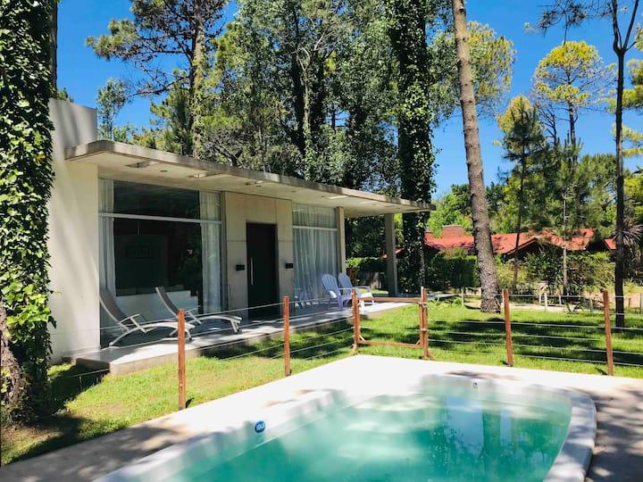 CARILO ALQUILO CASAS Vila Jeri Moderna con piscina