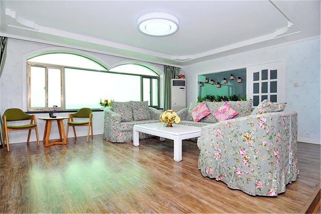 客厅(坐在沙发上看大海,无敌海景)