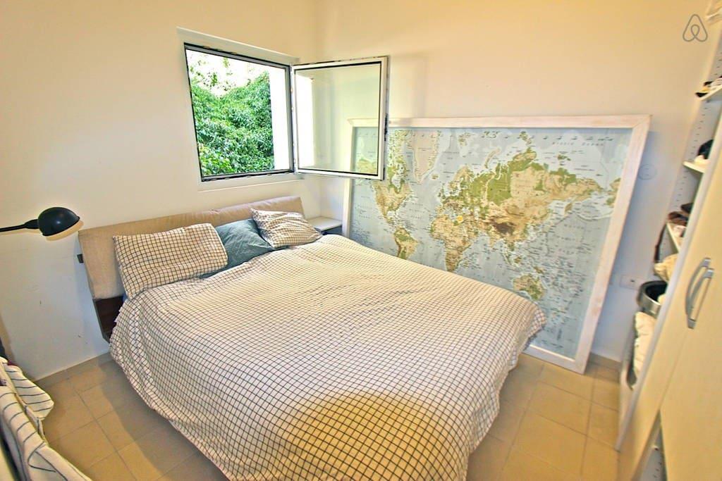 Queen Size Bed, plenty of Closet Space & Quiet Zzzs