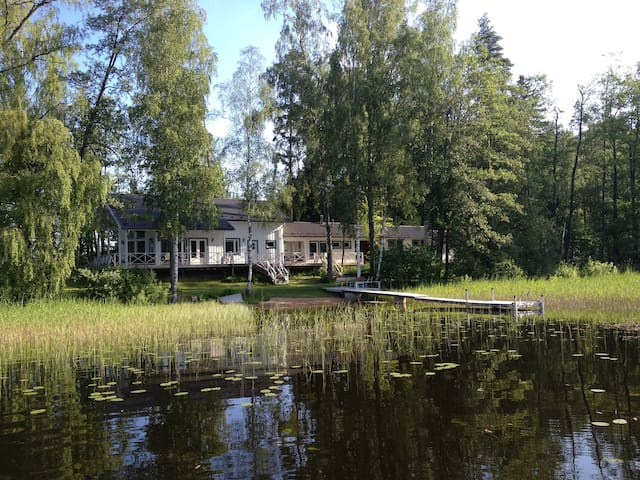 Luxury lake cottage in Finland