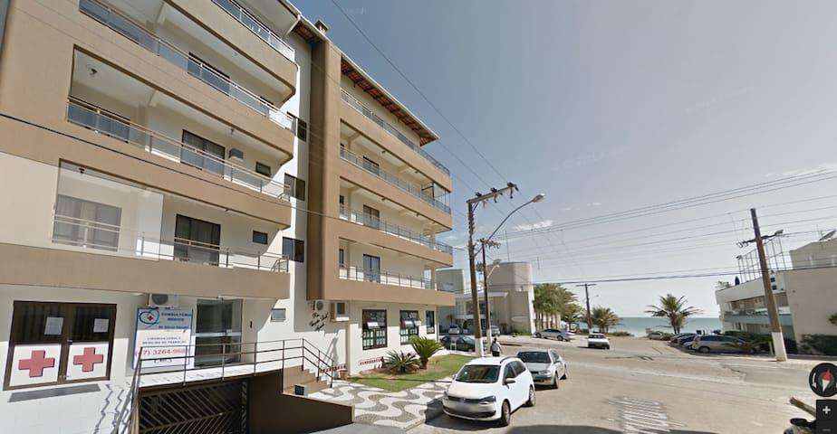 Lindo apartamento com vista para o mar.