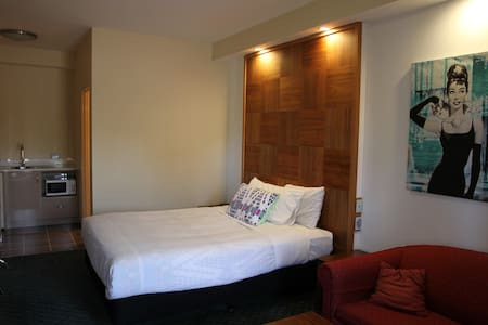 Charming Motor Inn - Many rooms - Canberra region - Queanbeyan East - Andere