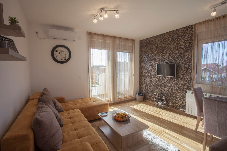 Living & sitting area