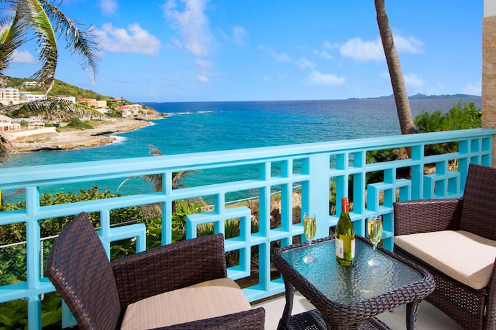 Luxury 2-Bedroom Waterfront Condo! - Philipsburg