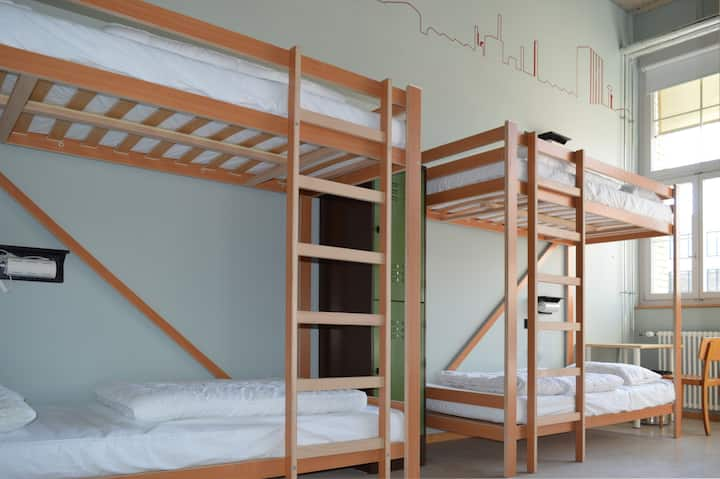 Hostel Depot 195 - 8-bed-dorm