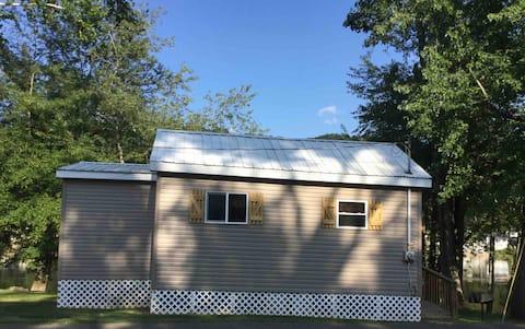 RiversEdge Hunting & Vacation Cabin
