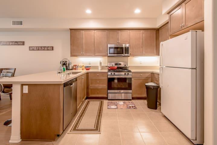 2018 NEW LA Azusa 3-story 3BR/3BTH -A50