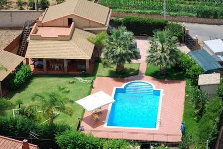 06 Villa with pool and garden - Altavilla Milicia