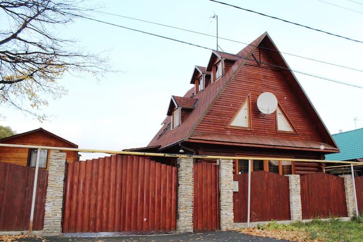 Коттедж Теремок посуточно - Yekaterinburg - House