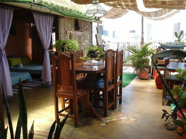 Varandão Atelier Lounge Sta. Teresa - Rio de Janeiro