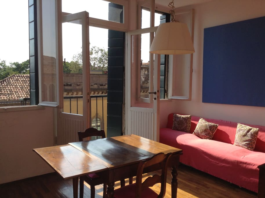 the second living area, whit balcony and overlooking the canal