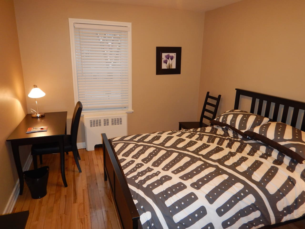 Spacious 2 bedrooms and 1 living room