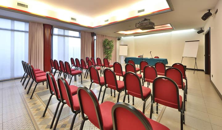 Private Double Two Beds At Bergamo