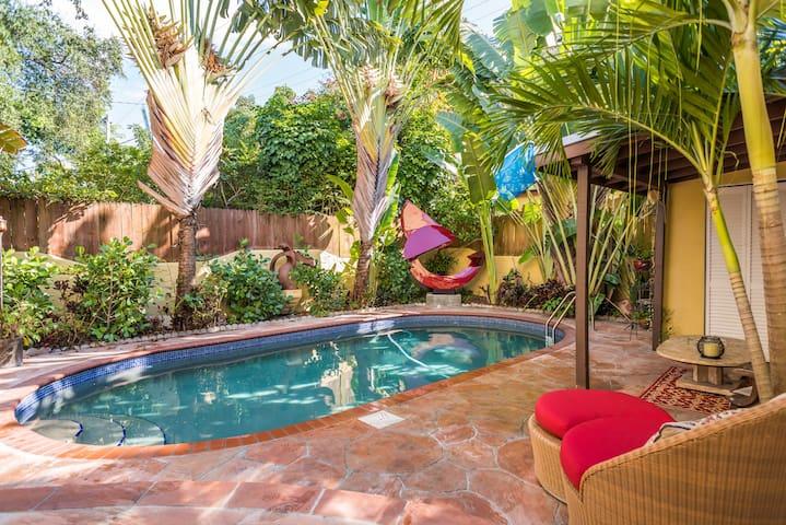 cottage in Miami's Design District - Miami - Maison